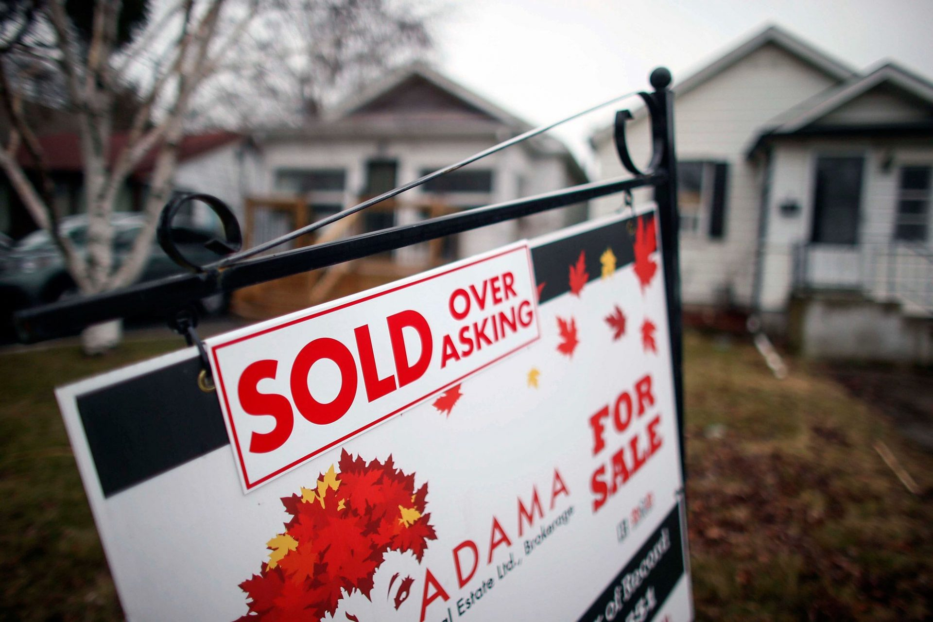 Toronto real estate listings jump in short-term 'cool-down'